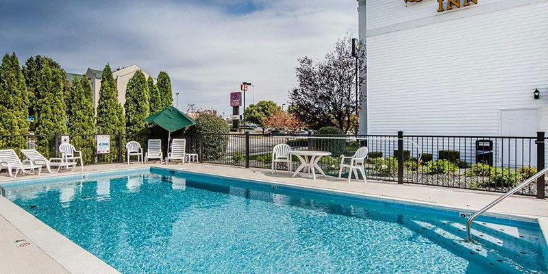 Outdoor Pool at Quality Inn Richmond